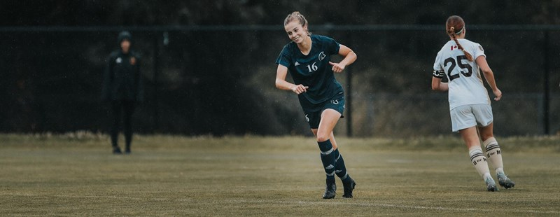 ROBERTSON NAMED U SPORTS PLAYER OF THE YEAR, SAKAKI 1ST TEAM ALL-CANADIAN